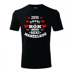 I love my wife to the moon and back, Dárkové pánské tričko, která vyjadřuje lásku manželce.